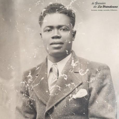 Photographie ancienne encadrée, sous verre. Signature sur la photo A. Lahontaa, Cahors 1939