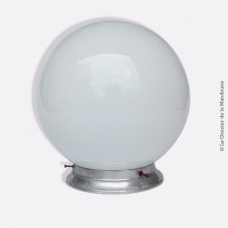 plafonnier applique vintage globe en opaline blanc deco des annees 1960 french design Résultat Supérieur 15 Frais Plafonnier Design Blanc Photos 2017 Kgit4