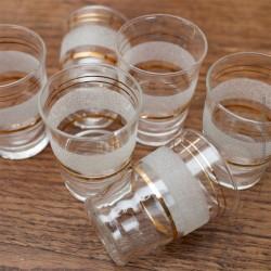 Lot de 6 petits verres granités blanc vintage année 60