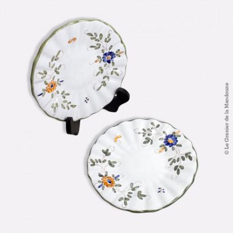 Paire de petites assiettes en céramique de Martres-Tolosane, signé J.M. Fin 18 ème siècle