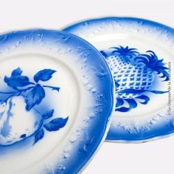 2 Assiettes K et G Lunéville Coloris Bleu, motifs ananas & poires. 1890 - 1920