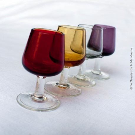 4 verres à pied à liqueur vintage