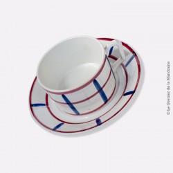 Déjeuner estampillé NAVARRE. Motif rouge et bleu