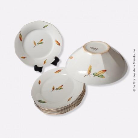 Ensemble assiettes et plat modèle NEMOURS. Digoin & Sarreguemines. French Antique