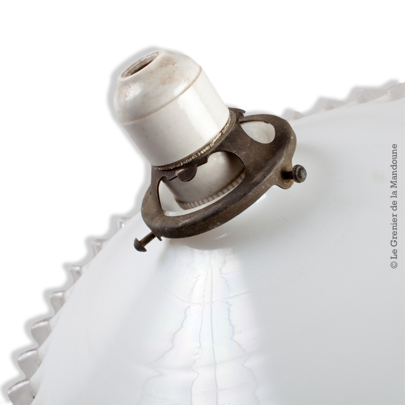 Abat jour ancien opaline blanche dentel e transparente monture laiton et douille porcelaine sur - Douille pour lustre ancien ...