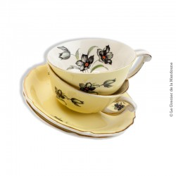 2 déjeuners tasses et soucoupes St. Amand, semi porcelaine