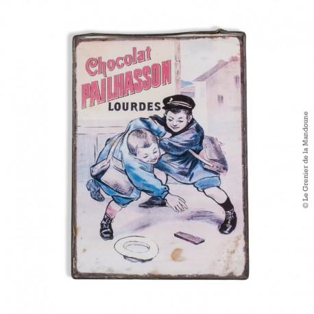 Chocolat PAILHASSON Lourdes, ancienne Carte Postale sous verre cerclé métal, vers 1900