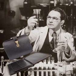 Sacoche vintage de médecin en cuir noir et son ordonnancier, vers 1965