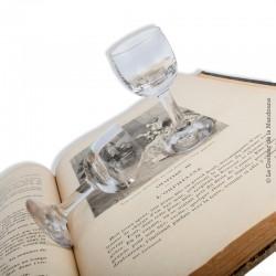 Le Grenier de la Mandoune. 2 petits verres 19ème ou début 20ème siècle, en verre soufflé / moulé