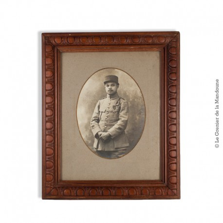 Le Grenier de la Mandoune. Portrait photographique d'1 caporal décoré de la Croix de Guerre avec 2 citations. Vers 1915 / 1916
