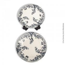 Le Grenier de la Mandoune. 2 assiettes anciennes en faïence décor 3 hirondelles marli fleurs bleues. H2