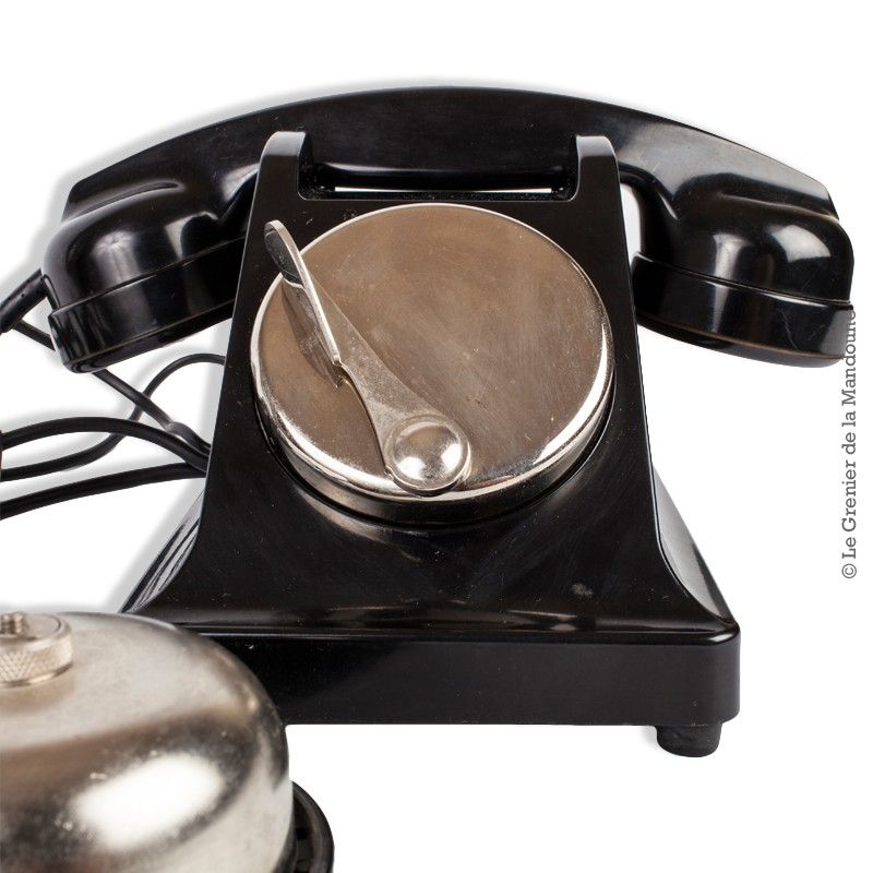 ancien t l phone des ptt france en bak lite noir sans cadran d co avec sonnette. Black Bedroom Furniture Sets. Home Design Ideas