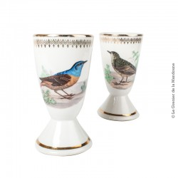 Paire de Mazagrand porcelaine de luxe F D France, décor oiseaux
