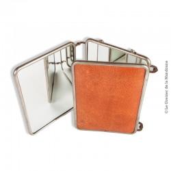 Le Grenier de la Mandoune. Miroir triptyque barbier voyage vintage 1950 ou antérieur