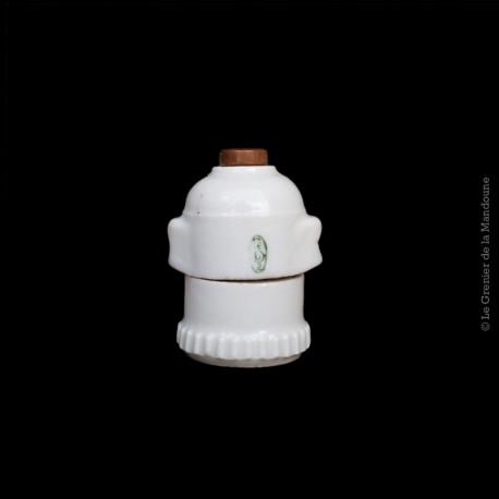 Ancienne douille a baîonnette porcelaine