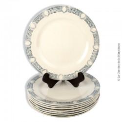 Le Grenier de la Mandoune. Lot de 8 assiettes anciennes, marli à décor couronnes de lauriers. French Antique