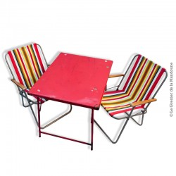 Table pliante en métal couleur rouge, camping vintage
