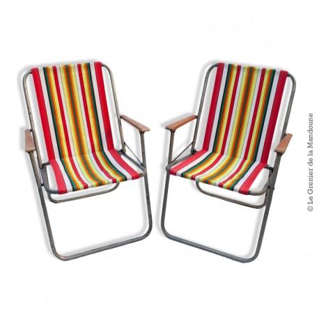 Le Grenier de la Mandoune. Paire de chaises pliante de camping, tissu d'origine à rayures, vintage