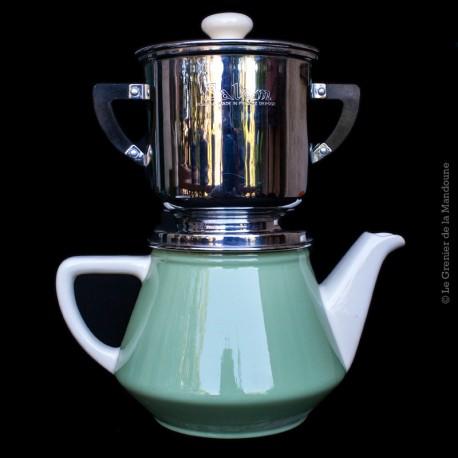 """Cafetière """"Salam"""" modèle déposé en porcelaine et inox. Fabrication Villeroy & Boch - France"""