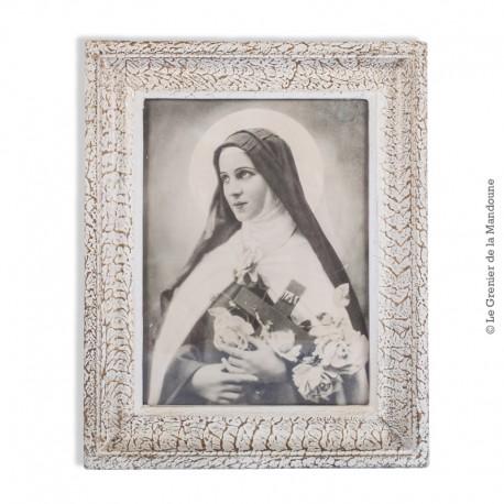 Le Grenier de la Mandoune. Ancienne photographie d'allégorie de la Sainte Vierge, cadre bois vitré