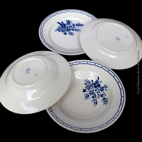 Lot de 4 assiettes décor fleur bleu porcelaine Badonviller