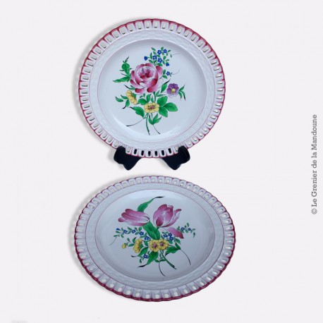 Paire d'Assiettes plates, Collection REVERBERE Fin Table ajourée de K.G Luneville, tulipes et roses - 1880 - 1922