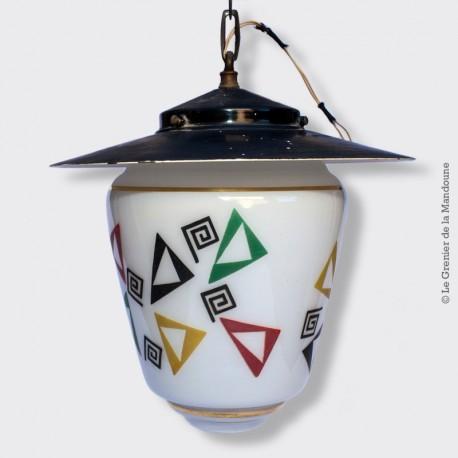 Lustre suspension opaline blanche avec décor géométrique vintage