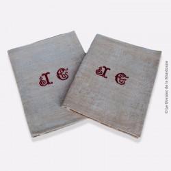 2 Grands torchons anciens en damassé de lin/coton écru à décor fleuri