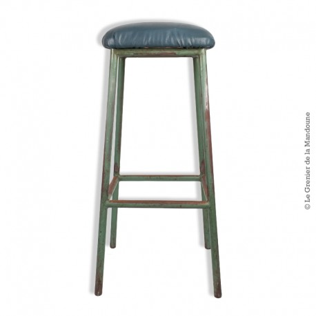 Ancien Tabouret haut d'atelier en métal assise recouverte de skai vert