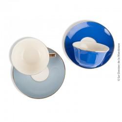 2 Tasses a café anciennes V & B M,  bleus à liseré or.  Antique