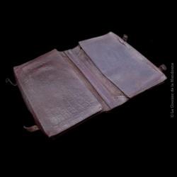 Cartable ancien double en cuir façon crocodile