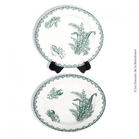 Le Grenier de la Mandoune. Duo d'assiettes St Amand, modèle MUGUET, Tampon au Coq chantant. French Antique