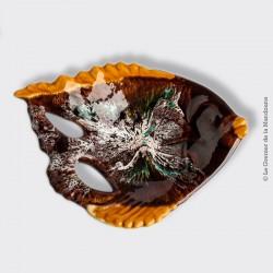 Le Grenier de la Mandoune. Ancien plat en forme de Poisson de Vallauris