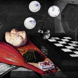 Le Grenier de la Mandoune. Trio d'assiettes anciennes à motifs fleurs bleues, St Amand. French Antique