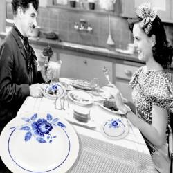 Le Grenier de la Mandoune. Paire d'assiettes plates ST AMAND modèle ROSINE. Rare French Antique 1932