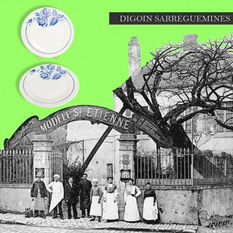 Le Grenier de la Mandoune. Paire d'assiettes plates, Digoin Sarreguemines, modèle St Etienne. French AntiquePaire d'assiettes à