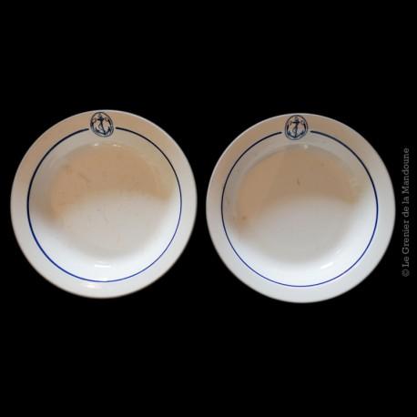 2 plats creux anciennes en Faïence de Gien France
