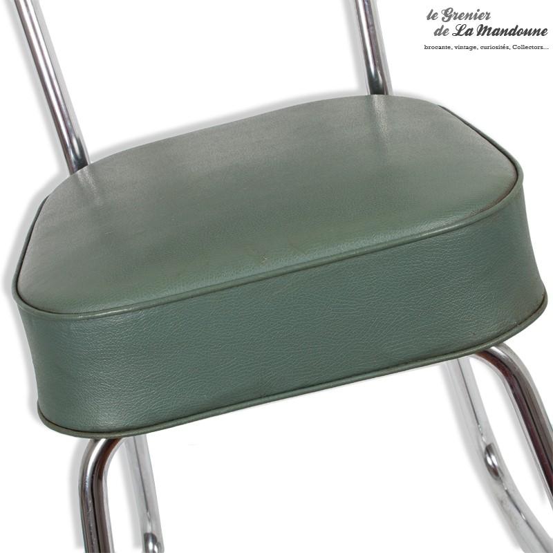 chaise de bureau industrielle m tal et assise en ska vert. Black Bedroom Furniture Sets. Home Design Ideas