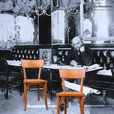 Le Grenier de la Mandoune. Paire de chaises bistrot Baumann