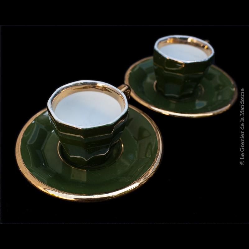 2 tasses caf de bistrot lambert bieler cahors. Black Bedroom Furniture Sets. Home Design Ideas