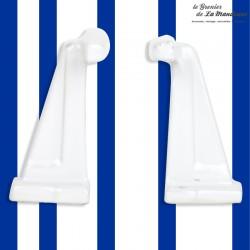 2 anciennes pateres salle de bain en porcelaine blanches