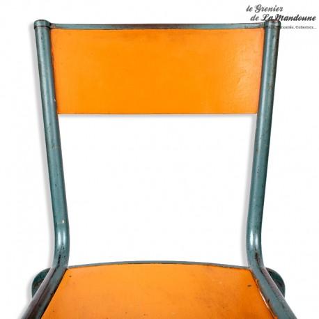 Le Grenier de la Mandoune. Chaise d'écolier Mullca 510 -  Années 60. Design Gaston Cavaillon