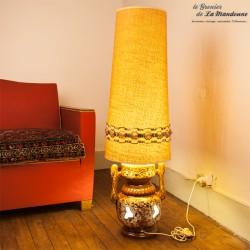 Lampe de sol Vintage, pied en céramique et abat jour tissu des années 70. Très décorative ! 2 sources de lumière